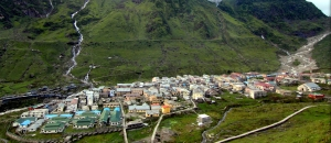 Kedarnath is located in a beautiful valley