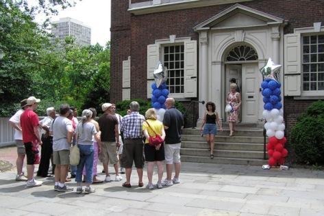 Constitutional walking tour at Philadelphia. Photo: visitphilly.com