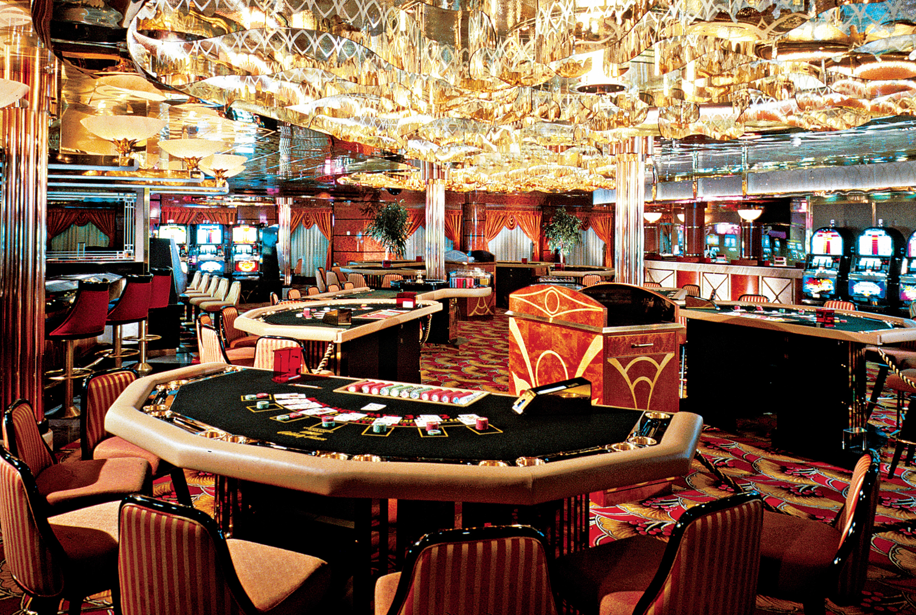 Gambling age at sea