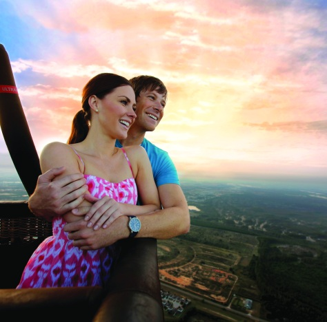 Couple enjoying a Balloon ride in Orlando. Photo: VisitOrlando