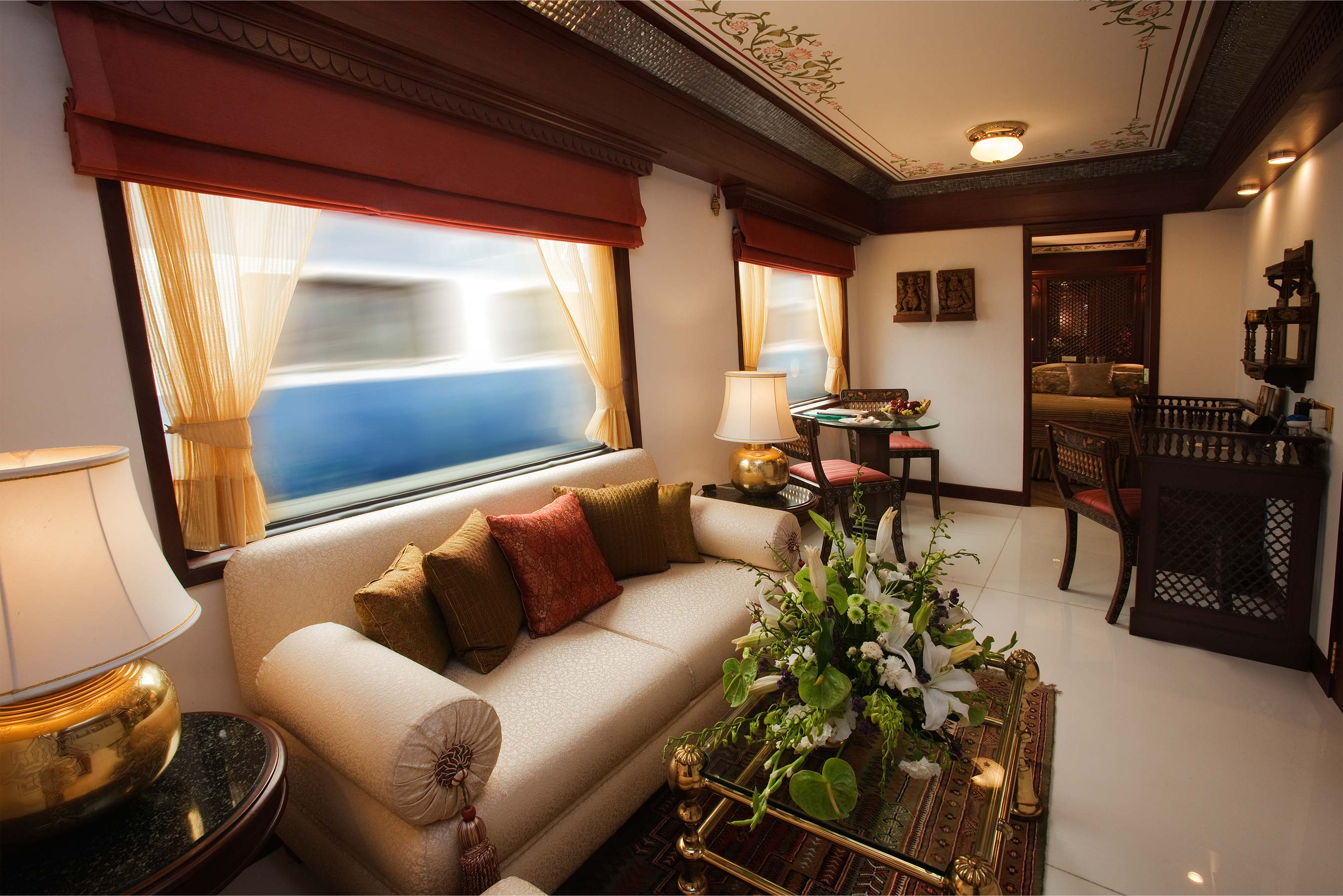 maharajas' express india a royal way Chugging across meticulously selected destinations to give you a glimpse of the  royal heritage of incredible india, the indian splendor tour on board maharajas.