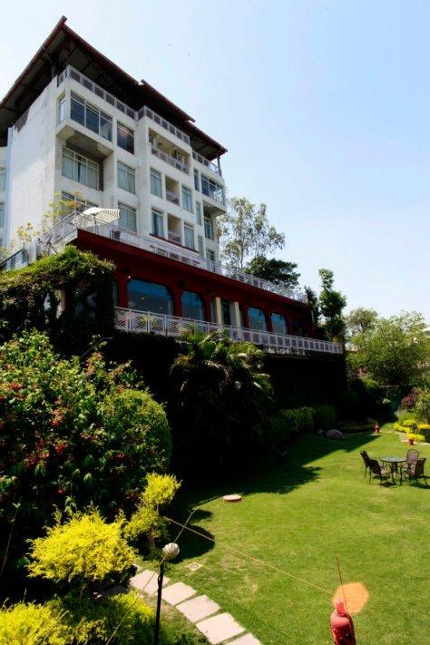 Ganga Kinare- A Riverside Boutique Hotel