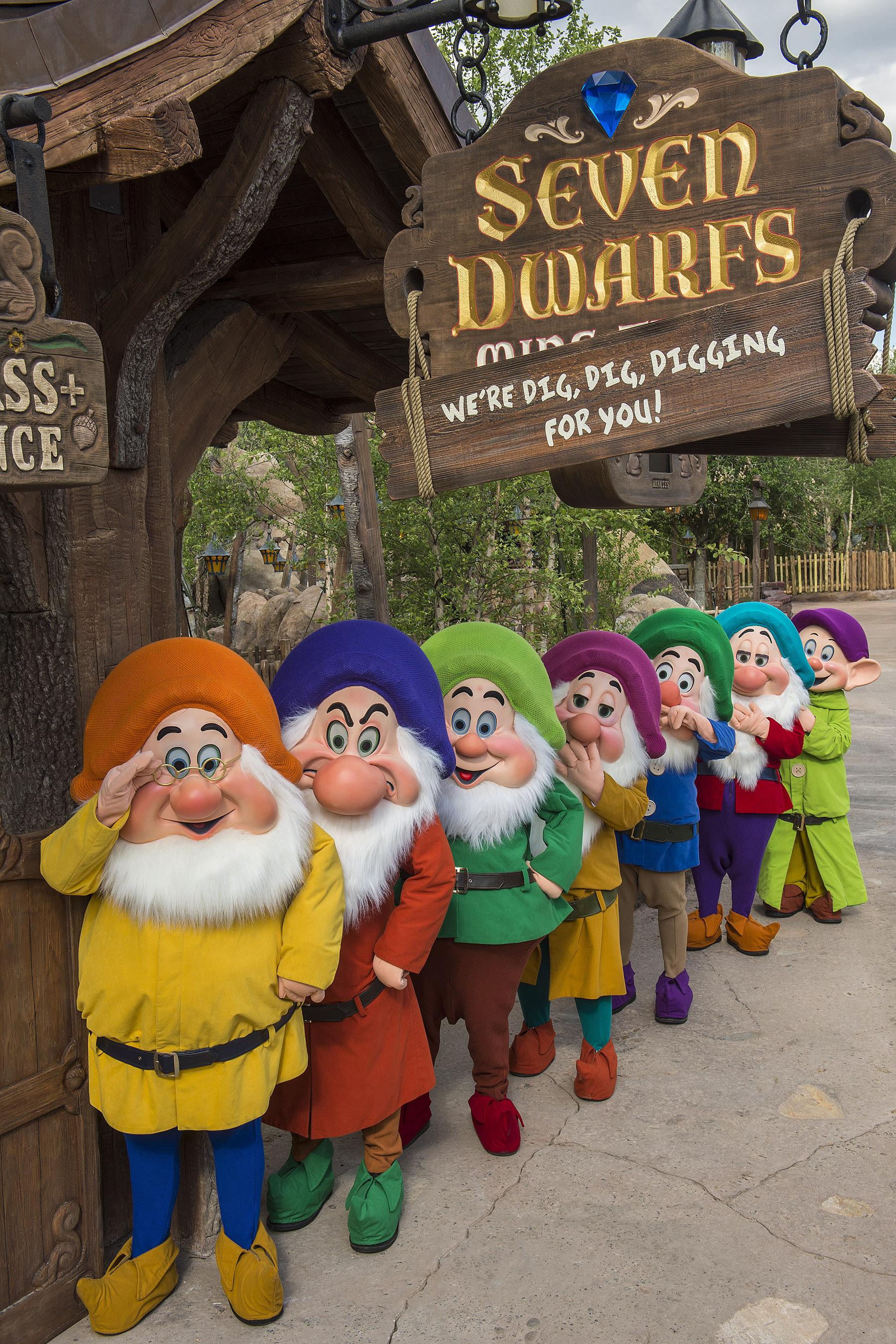7 dwarfs disney ride