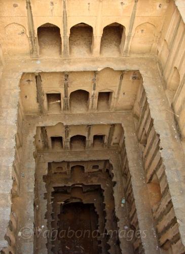 Stepping Into: Stepping Into History – Neemrana Bawadi